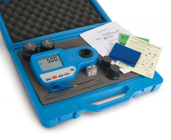 HI96771C Chlorine Free Ultra High Range to 500 mg/l - Photometer with Cal kit & Casing